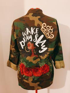 Afro Chic With lips amd C patch Jacket Military Jacket Camo Jacket Women, Military Jacket Women, Camouflage Jacket, Women's Military Jackets, Militar Jacket, Army Fatigue Jacket, Painted Denim Jacket, Camo Fashion, Diy Fashion