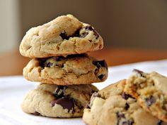 JOY It's inside you - Mega: Ο Διονύσης Αλέρτας μας φτιάχνει cookies με σοκολάτα και καρύδια