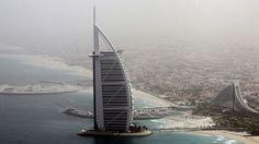 Saarta on rakennettu Raumalla salassa. Se päätyy kuuluisan Burj Al Arab -hotellin yhteyteen.