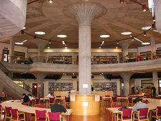 Sala de lectura de la Biblioteca de Económicas y Empresariales. Universidad de La Laguna