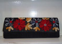 Jackpot India: Crewel work hand embroidered bags from India.