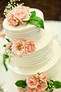 White Buttercream Lemon Poppy Seed Wedding Cake | Photo: Sara Joy Photography | Cake: Sweet Daphne Confections