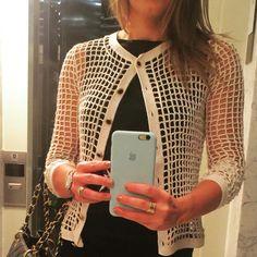"""313 Likes, 19 Comments - Alzira Vieira-Handmade For You (@alziravieiraoficial) on Instagram: """"Estilosíssima @patriciacbermudez  com seu casaqueto handmade #sedapura #croche #crochet #handmade…"""""""