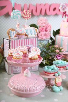 Tè, cup cake e atmosfere romantiche per un addio al nubilato divertente e rilassante | Cira Lombardo Wedding Planner