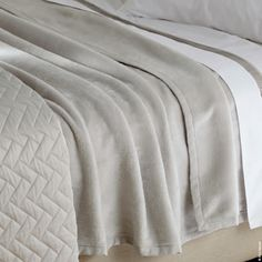 Generously-sized, ultra-soft cotton blanket Sintra, by Matouk. Egyptian cotton. 3 hues