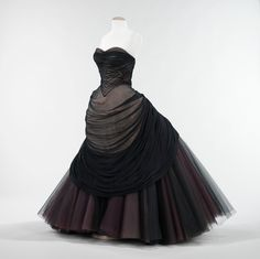 Charles James swan gown