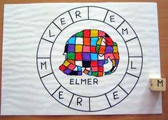Lecture en jeu : la ronde d'ELMER Elmer The Elephants, Album, Gingham, Manualidades, Activities, Kid Friendly Art, Storytelling, Learning, Africa
