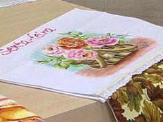 Arte Brasil | Pano de copa motivo cesta de rosas - Beth Matteelli