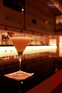 Te proponemos un plan irrechazable para la noche del miércoles... ¡Ven a #Baribau y disfruta de una deliciosa cena y continúa la noche al son de nuestra música, mientras pruebas uno de nuestros #cocktails de luxe! #Barcelona #GastroBar