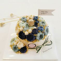 Korean Buttercream Flower, Buttercream Flower Cake, Beautiful Cakes, Amazing Cakes, Korea Cake, Chocolate Pies, Rice Cakes, Floral Cake, Cake Art