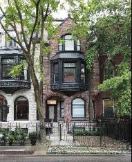 Chicago love! I'd love to live in one of the brownstones in the city.