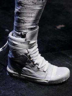 sneaker pump? chos