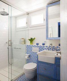 Si tu baño te gusta más cuando cierras los ojos: Houston, tenemos un problema. Pero hay que descubrir el nivel de gravedad. Puede que necesite una reforma parcial, una integral o quizá un simple lavado de cara. Entra en la web, haz el test y descúbrelo (link en la bio)  #elmueble #baño #bathroom #reforma #renovation #renovar #test #cambio #makeover