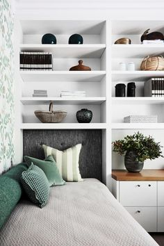 1970s House, Contemporary Beach House, Australian Homes, Blue Mountain, Living Spaces, Casual Living Rooms, Transitional Living Rooms, Living Room Designs, Beautiful Bedrooms