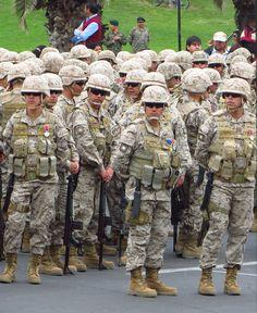 defile en arica Soldiers, Fashion, World, Bicycle Kick, Military, Moda, Fashion Styles, Fashion Illustrations