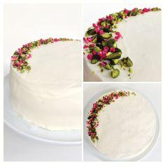 Den lækreste opskrift på en enkel og fuldstændig fantastisk bryllupskage. Opskriften giver detaljeret trin-for-trin vejledning og resultatet bliver perfekt!