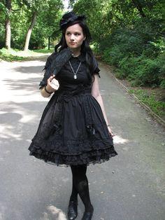 gothic_lolita_by_schwarze_eiselfe