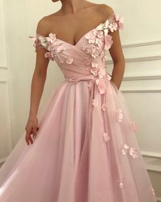 Buy Flowers Beaded V Neck Off the Shoulder Prom Dresses Long Tulle Evening Gowns online.Shop short long ombre prom, homecoming, bridesmaid evening dresses at Couture Candy Cocktail party dresses, formal ball gowns in ombre colors. Cute Prom Dresses, Ball Dresses, Elegant Dresses, Homecoming Dresses, Pretty Dresses, Beautiful Dresses, Evening Dresses, Beaded Dresses, Prom Dresses Flowers