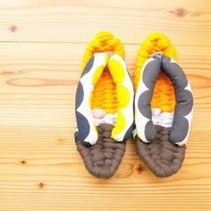 布ぞうりは足の5本指が全部出るので、とっても楽でルームシューズに使う人も多いんです。足の指を押さえつけないので外反母趾にもいいそうですよ。