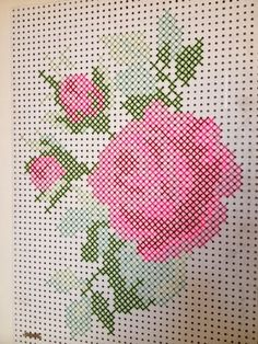 Pantoffi: Pegboard cross stitch