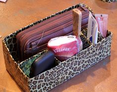 DIY purse organizer from duct tape!