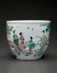 A rare small enameled jardinière, Shunzhi period, circa 1645-1650.