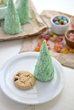 If you are looking for a fun edible craft to do with your allergen friendly little ones, these Christmas Tree Ice Cream Cone Pinatas are a real hit!