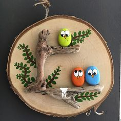 Fabric Crafts & # Vogel Kaka & # Painted rocks, birds on driftwood - JL . Fabric Crafts & # Vogel Kaka & # Painted rocks, birds on driftwood - JL .