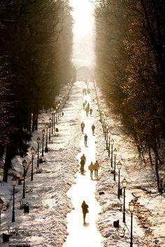 Walking the snowy paths in Zagreb, Croatia. Enjoyable Croatia  http://www.travelandtransitions.com/destinations/destination-advice/europe/