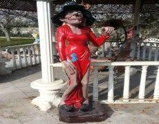 Хэллоуин Меню Статуя