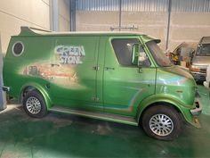 Old School Vans, Panel Truck, Cool Vans, Custom Vans, Green Stone, Trucks, Classic, Vehicles, Motorhome