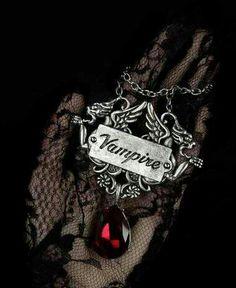 18 Super ideas for dark love art fantasy gothic Vampire Love, Vampire Art, Gothic Fantasy Art, Dark Fantasy, Dark Gothic Art, Victorian Vampire, Dark Love, Gothic Aesthetic, Vampires And Werewolves
