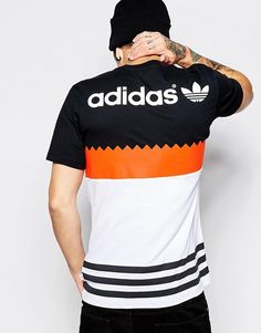 adidas Originals Block T-Shirt Summer Outfits Men, Sport Outfits, Boy Outfits, Mens Polo T Shirts, Tee Shirts, Nigerian Men Fashion, Jersey Outfit, Adidas Outfit, Adidas Fashion