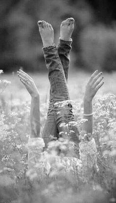 """""""...O que desejo pra gente é fé, força, saúde, tolerância e muita paz de Deus no nosso coração. Abrace com vontade a vida que Deus te dá e as oportunidades que Ele te proporciona e vença cada dia com coragem e com gratidão..."""" -------------------•०✦✦०•-------------------- [Cecília Sfalsin]"""
