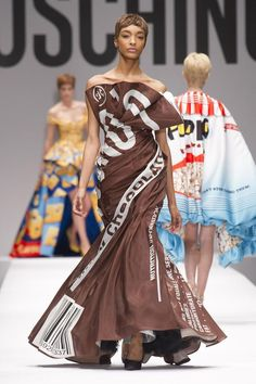 What's going on with the MOSCHINO 2014 collection?