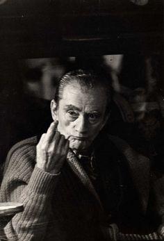 """Luchino Visconti sul set del film """"L'innocente"""" 1975 foto archivio Mario Tursi."""