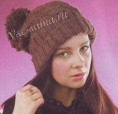 Коричневая шапка спицами с помпоном, фото