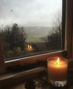 Forever in love with stormy skies and watching the raindrops chase each other down the window pane✨ via Cozy Aesthetic, Autumn Aesthetic, Aesthetic Photo, Aesthetic Pictures, Aesthetic Outfit, Aesthetic Dark, Aesthetic Vintage, Aesthetic Fashion, Images Esthétiques
