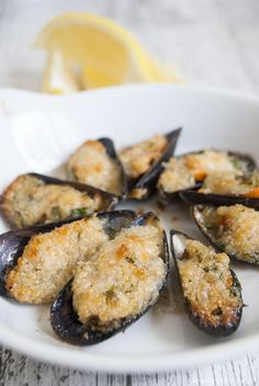 See related links to what you are looking for. Tapas Spain, Spanish Tapas, Happy Kitchen, Dutch Recipes, Food For A Crowd, Mussels, Fish Dishes, Meatball Recipes, I Love Food