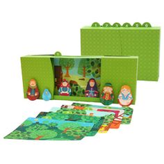 Free to Print Hansel and Gretel puppet show! Paper craft includes puppets, scenery, and theater. Adorable fairy tale dramatic play!