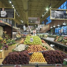 Nice example of pictures hung from the ceiling. Produce Displays, Fruit Displays, Retail Displays, Healthy Meals For Two, Healthy Snacks For Kids, Vegetable Shop, Supermarket Design, Fruit Shop, Food Retail