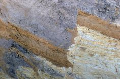 Versetzte Schichten im Boden: Der Versatz der Bodenschichten und die Länge der...