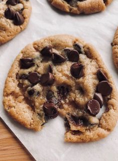 I am a chocolate chip cookie monster! My specialty is homemade choc chip cooki… I am a chocolate chip cookie monster! My specialty is homemade choc chip cookies. These look so buttery and delicious! Think Food, I Love Food, Good Food, Yummy Food, Food Goals, Snacks, Vegan, Aesthetic Food, Food Cravings