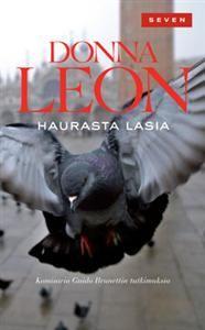 #DonnaLeon #Haurasta #lasia Venetsiassa on ensimmäinen kevätpäivä, ja komisario Brunetti päättää lintsata töistä auttaakseen ympäristöaktivisti Marco Ribettiä, joka on pidätetty mielenosoituksessa. Palatessaan toimistolle hän törmää riidanhaluiseen lasitehtaan omistajaan De Caliin, jonka on kuultu uhkailevan vävynsä Ribettin henkeä Muranon baareissa. Onko mies valmis toteuttamaan uhkauksensa? Muranon lasisaari vetää Brunettia puoleensa.