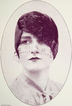 """Chapeau 1927    Les Modes (Paris) 1927 """"Lucifer"""" Chapeau de Camille Roger"""