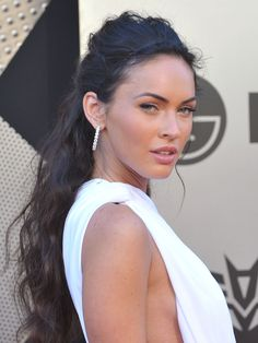 "Megan Fox. An example how even the greatest ""good genes"" in looks are nothing if your intellect is poor and your attitude not exactly most pleasant."