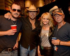 Miranda lambert is a lucky bitch.