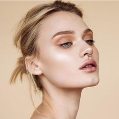 Strobing perfection and natural skin!