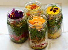 Vegan Salad in a Jar. Make-Ahead Bliss.I keep finding new salads in a jar. Mason Jar Meals, Meals In A Jar, Mason Jars, Kilner Jars, Raw Food Recipes, Vegetarian Recipes, Healthy Recipes, Jar Recipes, Salad In A Jar