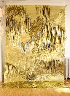 CONFETTISYSTEM for Creatures of the Wind, gold wall. Photo by CONFETTISYSTEM